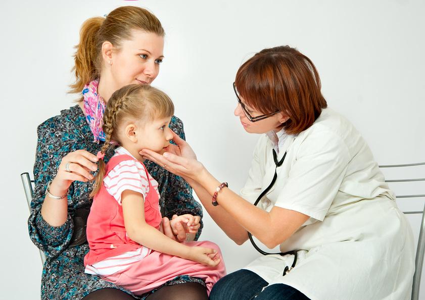 Расскажите детям, что в медицине есть много специальностей.